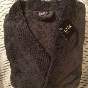 Ulta robe gray unisex one size per label pockets